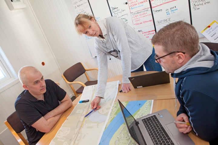 Lena Sandberg lägger just nu cirka 50 procent av sin arbetstid på bygget av dubbelspår i Dingersjö. Men i höst ökar andelen i takt med att bygget blir allt mer intensivt.